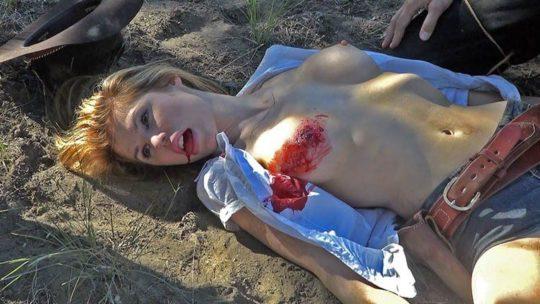 【グロエロ】死んでる全裸の女を見る死体アートとかいうジャンル。。(画像あり)・24枚目