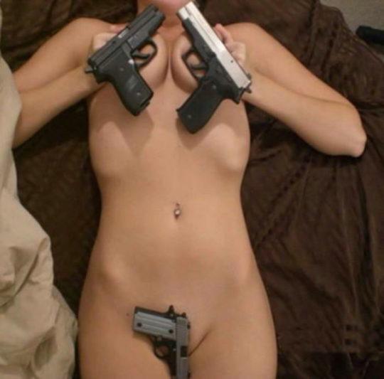 【絶望】銃で脅されて逆レイプという男の夢、現実は非情でワイ絶望・・・・・orz(画像あり)・4枚目