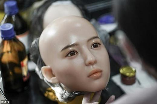 【朗報】中国でAI搭載のラブドール爆誕!!まんさん、完全にお払い箱へwwwwwwwww(画像あり)・2枚目