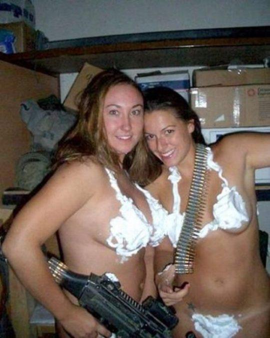 【勃起不可避】世界最高峰の米軍女兵士、雌ゴリラに混ざってモデルみたいな美女が居てワロタwwwwwwwww(画像30枚)・28枚目