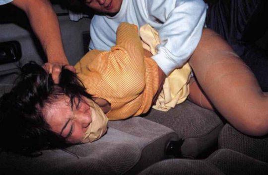 【鬼畜系】胸糞最悪なガチ系レイプ画像、これには世界中から非難轟々なのも納得・・・・・(画像25枚)・1枚目
