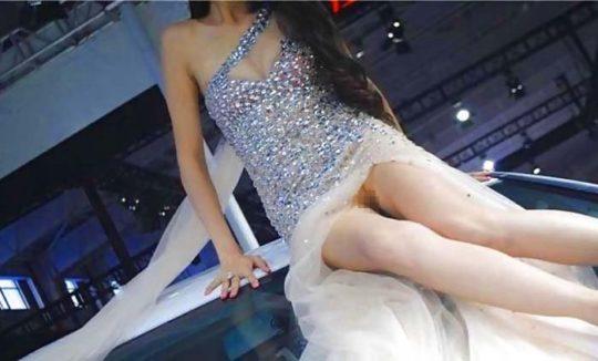 【透け過ぎ】中国のモーターショー、もはやストリップ劇場になってて草wwwwwwww(画像30枚)・21枚目