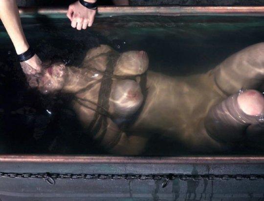 【鬼畜av】闇深すぎなバッキー級のAV現る・・・これ人間か?wwwwww(画像あり)・42枚目