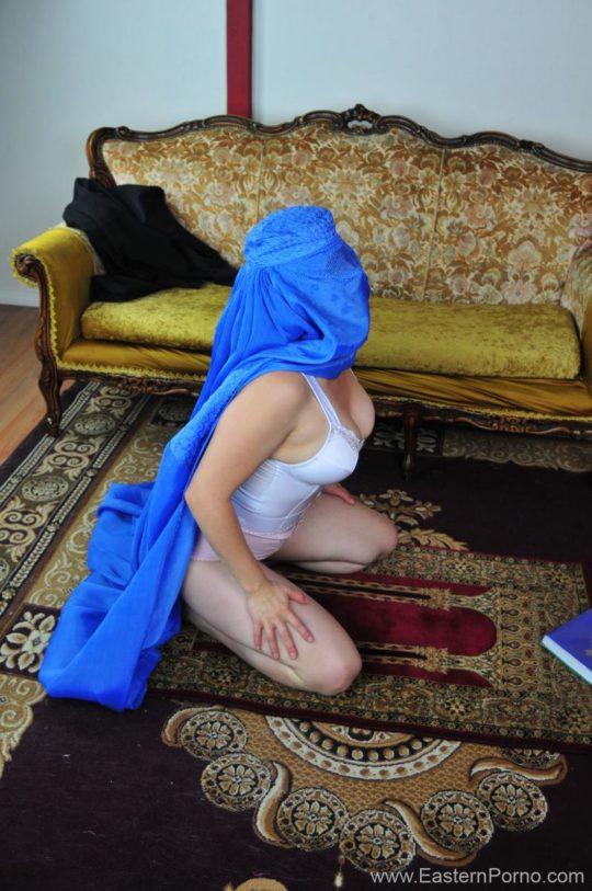 【画像あり】イスラムJKがSNSにうpしたブツがこちら。これガチで死刑やで・・・・11枚目