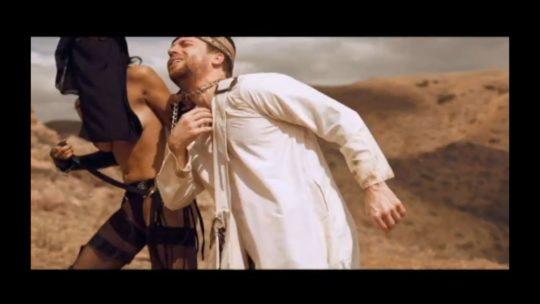 【※衝撃※】ISISがレイプ動画を公開する・・・もう何でもアリやぁ。。・4枚目