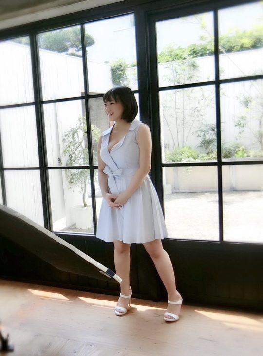 【悲報】Kカップ爆乳でTOEIC990点のAV女優・澁谷果歩さん、AV引退・・・・・orz(画像あり)・15枚目