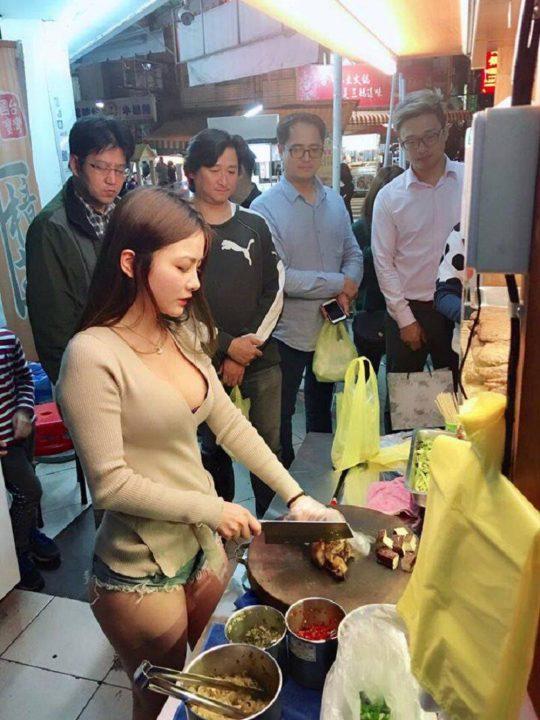 【買い占め不可避】タイの屋台の売り子ネキ、こんなん絶対売れるやろwwwwwww(画像あり)・7枚目