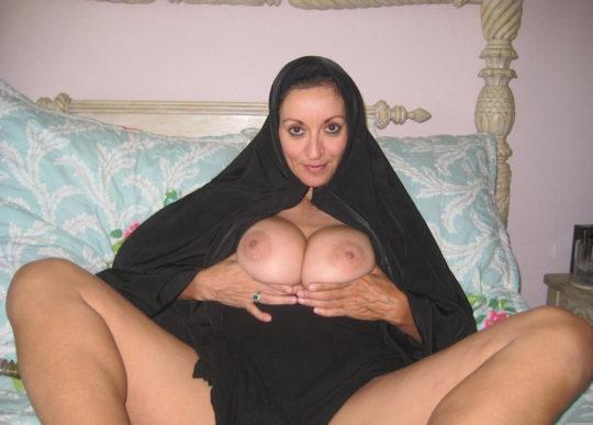 【巨乳民族】ヒジャブ着用のイスラムまんさん全員巨乳説、マジでホントっぽくて草wwwwwwww(画像30枚)・7枚目