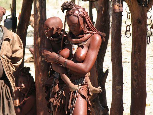 【部族おっぱい104枚】アフリカ原住民部族最強のおっぱいがコチラ、10代女子がいっぱいいるんだが・・・(画像)