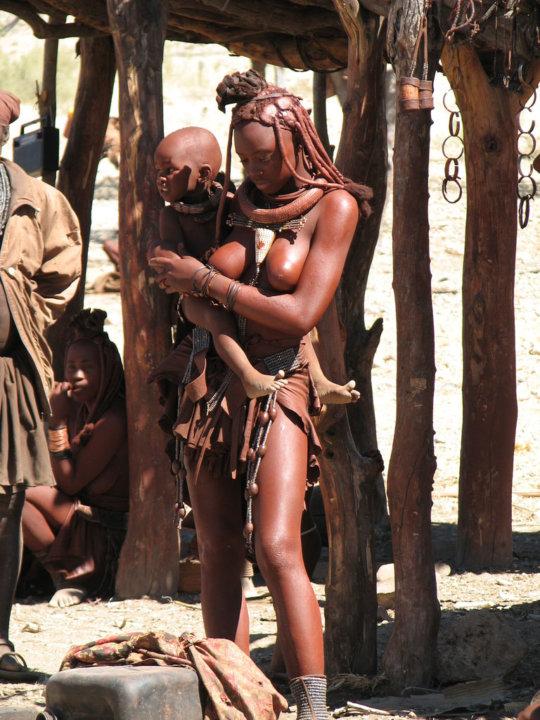 【部族おっぱい104枚】アフリカ原住民部族最強のおっぱいがコチラ、10代女子がいっぱいいるんだが・・・(画像)・27枚目