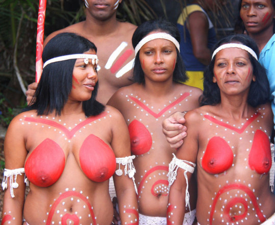 【部族おっぱい104枚】アフリカ原住民部族最強のおっぱいがコチラ、10代女子がいっぱいいるんだが・・・(画像)・33枚目