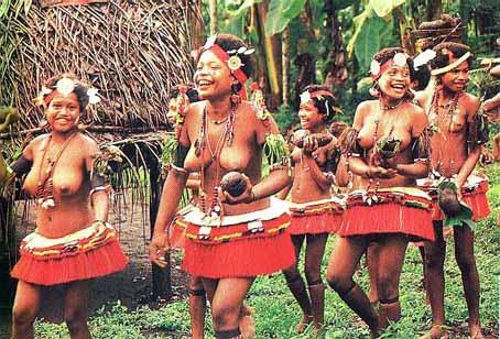 【部族おっぱい104枚】アフリカ原住民部族最強のおっぱいがコチラ、10代女子がいっぱいいるんだが・・・(画像)・41枚目