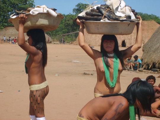 【部族おっぱい104枚】アフリカ原住民部族最強のおっぱいがコチラ、10代女子がいっぱいいるんだが・・・(画像)・44枚目