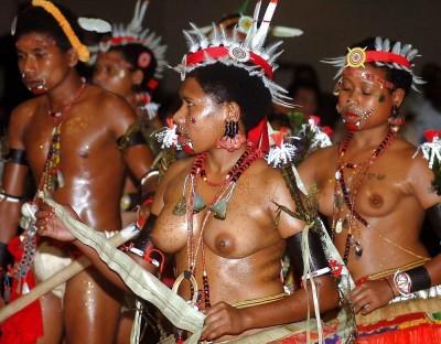 【部族おっぱい104枚】アフリカ原住民部族最強のおっぱいがコチラ、10代女子がいっぱいいるんだが・・・(画像)・75枚目