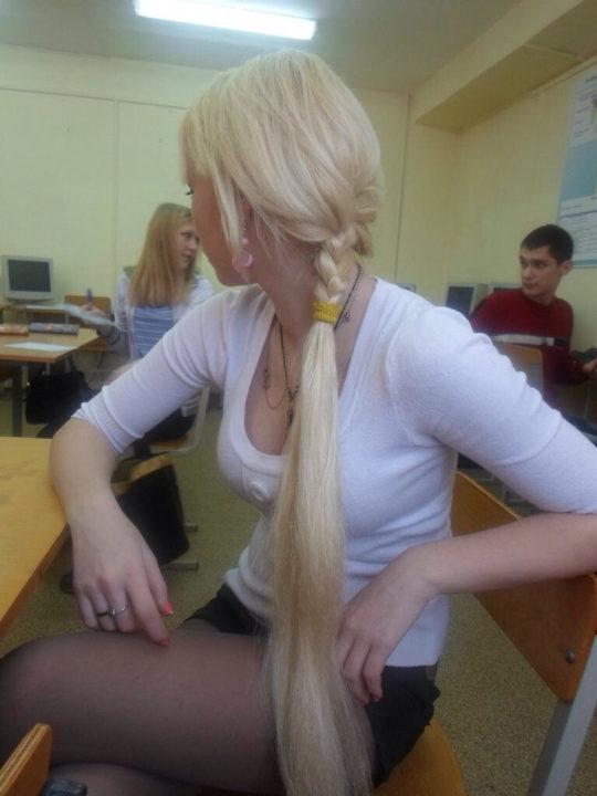 """【凄過ぎ】ロシアで発見された""""巨乳すぎる女子高生""""、こんなんみただけで射精不可避でワロタwwwwwww(画像あり)・8枚目"""
