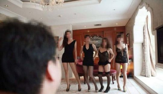 【勝ち組】中国人大富豪の乱交の様子がコチラ、2人目以降の意味が判らなくて草wwwwww(画像あり)・24枚目