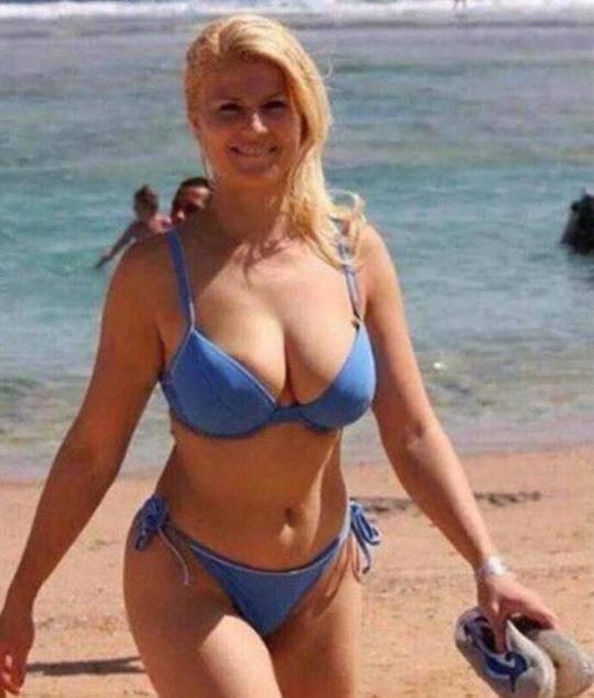 【爆乳大統領】クロアチアの大統領がエッチすぎると話題にwwwwwww(画像あり)・4枚目