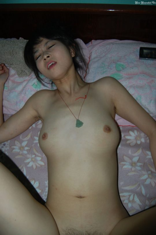 【素人流出】ハメ撮り画像をネットに晒された中国人カップルwwwwwwww(画像あり)・25枚目