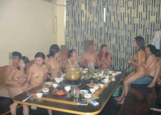 """【党員御用達】中国カラオケテレビ""""KTV""""という共産党も暗に認めた風俗、昔の日本みたいで草wwwwwww(画像30枚)・24枚目"""