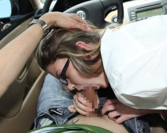 """【免停確実】運転中ガチでして貰うと結構危険な""""ドライブフェラ""""、まあセックスしないだけマシだなwwwwwww(画像30枚)・11枚目"""