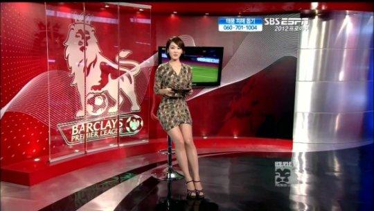 【ほぼホステス】AV禁止のお隣韓国、ニュース番組の女子アナスカートがキャバ嬢レベルでワロタwwwwwww(画像あり)・5枚目