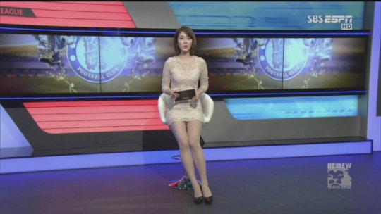 【ほぼホステス】AV禁止のお隣韓国、ニュース番組の女子アナスカートがキャバ嬢レベルでワロタwwwwwww(画像あり)・10枚目