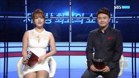 【ほぼホステス】AV禁止のお隣韓国、ニュース番組の女子アナスカートがキャバ嬢レベルでワロタwwwwwww(画像あり)・20枚目