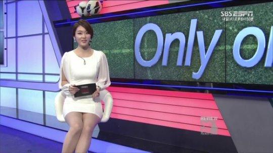 【ほぼホステス】AV禁止のお隣韓国、ニュース番組の女子アナスカートがキャバ嬢レベルでワロタwwwwwww(画像あり)・21枚目