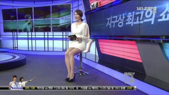 【ほぼホステス】AV禁止のお隣韓国、ニュース番組の女子アナスカートがキャバ嬢レベルでワロタwwwwwww(画像あり)・22枚目