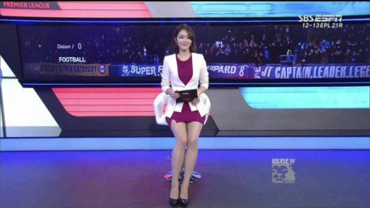 【ほぼホステス】AV禁止のお隣韓国、ニュース番組の女子アナスカートがキャバ嬢レベルでワロタwwwwwww(画像あり)・23枚目