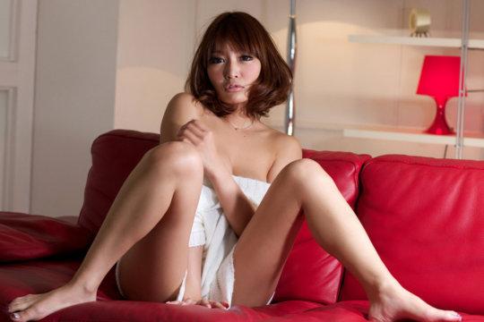 【明日花キララ】アップデートする度に顔が変わるセクシー女優をエロGIFでご覧ください(323枚)・42枚目