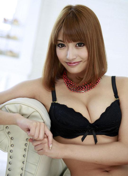 【明日花キララ】アップデートする度に顔が変わるセクシー女優をエロGIFでご覧ください(323枚)・63枚目