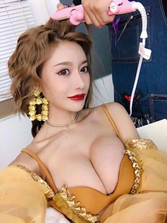 【明日花キララ】アップデートする度に顔が変わるセクシー女優をエロGIFでご覧ください(323枚)・95枚目