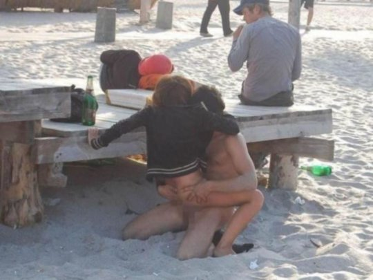 """""""ヌーディストビーチ""""でフェラ・セックスしてる女たち、ルールどうなってんの??(454枚)・209枚目"""