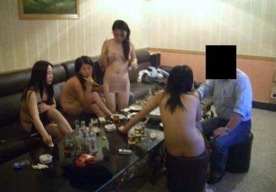【画像あり】中国の「カラオケ援〇」とかいう闇をご覧ください。やっぱルール無用やなぁ・・・・24枚目