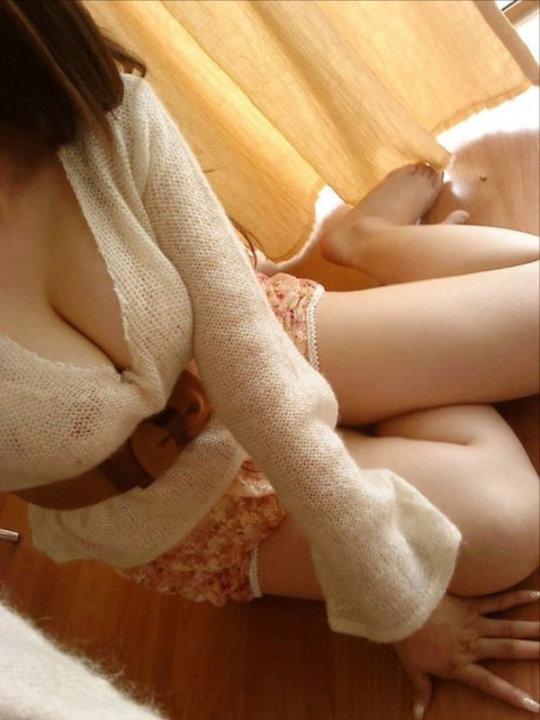 【※二度見】SNSに現れた最強の「着衣巨乳」ガチで破裂寸前wwwwwwwww(画像あり)・25枚目