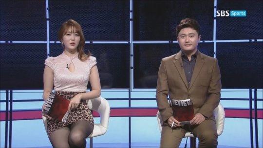 【イメクラ嬢レベル】韓国女子アナの平均的なスカートの短さ、これもう普通に痴女だろwwwwwwwww(画像30枚)・27枚目