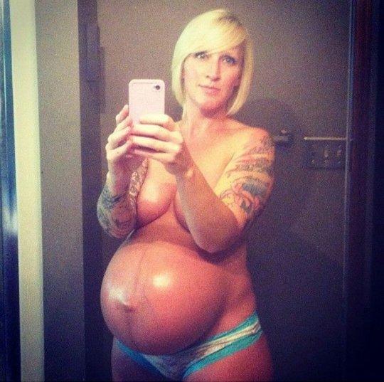 【妊婦ヌード】アメリカの妊婦さん、何故か妊娠記録の為にヌードを撮ってSNSにUPしてしまうwwwwwww(画像あり)・3枚目
