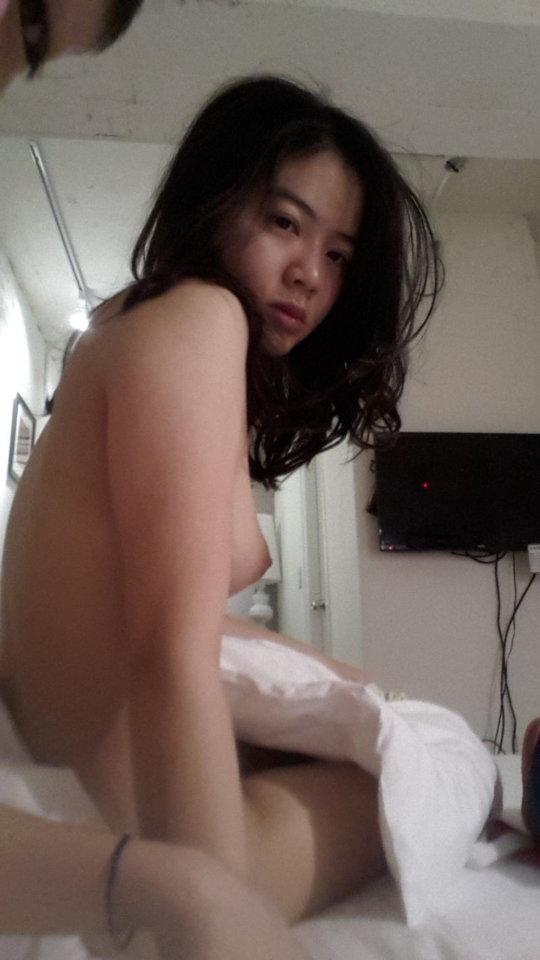 【アジア素人】一晩5000円も出したら3Pすら可能な東南アジアの売春婦、そりゃおっさん移住しまくるわwwwwww(画像あり)・2枚目
