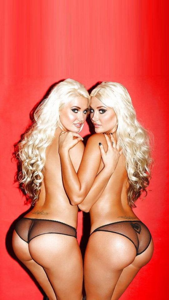 【双子ヌード】海外の双子ネキ、楽に稼ぐ為に高確率で姉妹ヌードになるという現実・・・・・(画像30枚)・9枚目