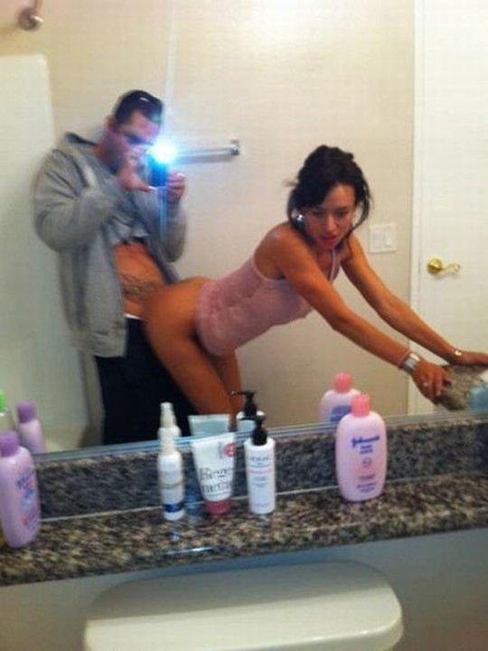 【素人ハメ撮り】外国人素人カップルのプライベート鏡ハメ撮り、クッソ笑顔で楽しそうwwwwwwwww(画像30枚)・19枚目