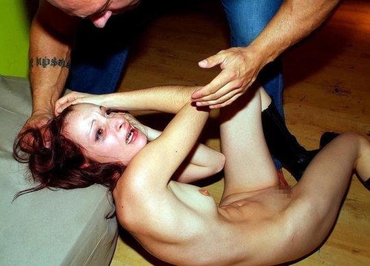 【ハードレイプ】外人ニキにとっての少しだけ強引にセックスに持ち込む方法、これがまかり通るんだな・・・・・(画像30枚)・5枚目