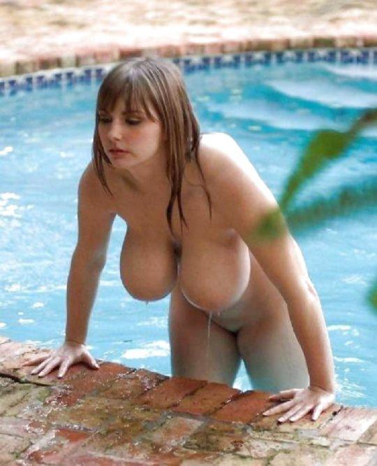 【限界突破】天然?偽乳?日本人なら人外レベル確定な外人ネキの超爆乳おっぱい、これはモンスター過ぎだろwwwwwwww(画像30枚)・30枚目