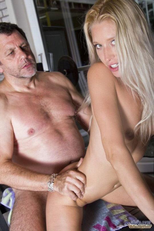 【セックス画像】ドン引きする年の差男女のセックス風景。ちょっとヤバいわ・・・(画像あり)・140枚目
