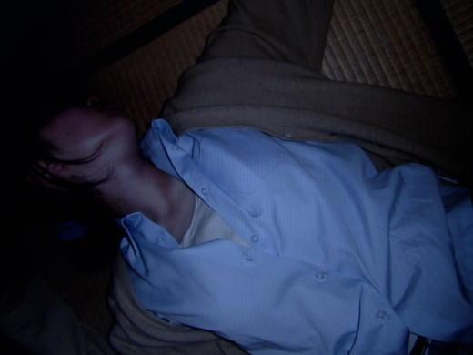 【画像あり】警察のレイプ被害者のデジカメデータがTVで映り込む! コレは欲し杉ィィィィwwwwwwwwwww(画像あり)