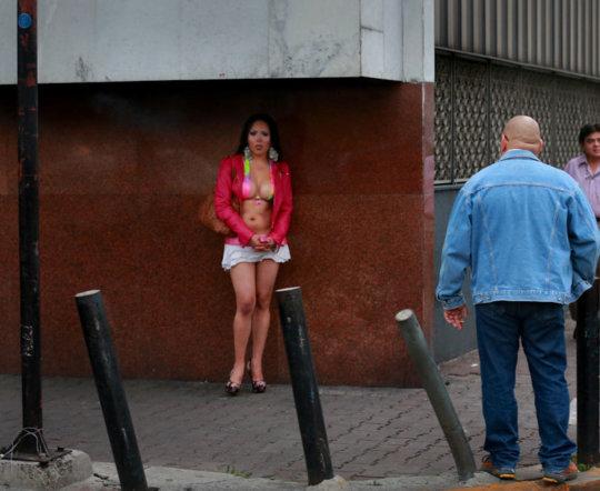 【売春エロ】3ドルでセックスできる売春婦。幼い娘からBBAまで・・・・(画像あり)・152枚目