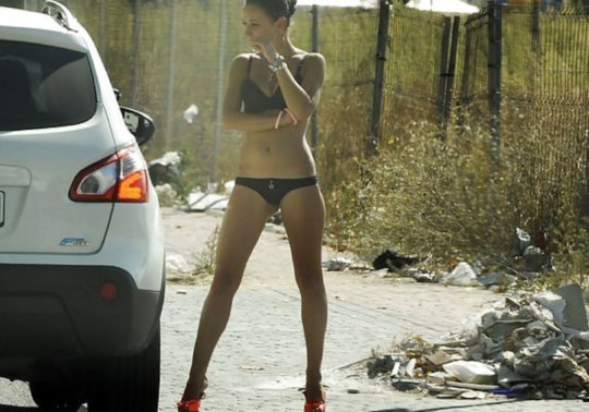 【売春エロ】3ドルでセックスできる売春婦。幼い娘からBBAまで・・・・(画像あり)・66枚目
