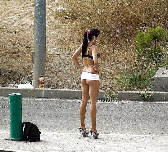 【売春エロ】3ドルでセックスできる売春婦。幼い娘からBBAまで・・・・(画像あり)・160枚目