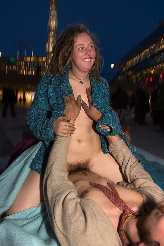 【売春エロ】3ドルでセックスできる売春婦。幼い娘からBBAまで・・・・(画像あり)・1枚目