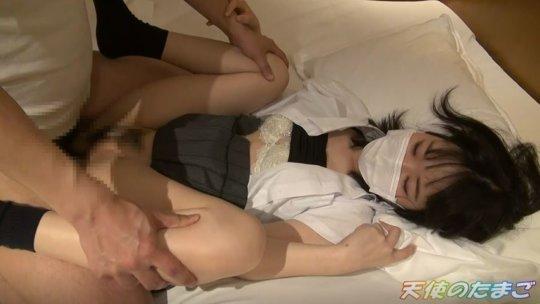 【エロ】純白パンツの女子学生の本気ハメ撮り映像が販売される。。・19枚目